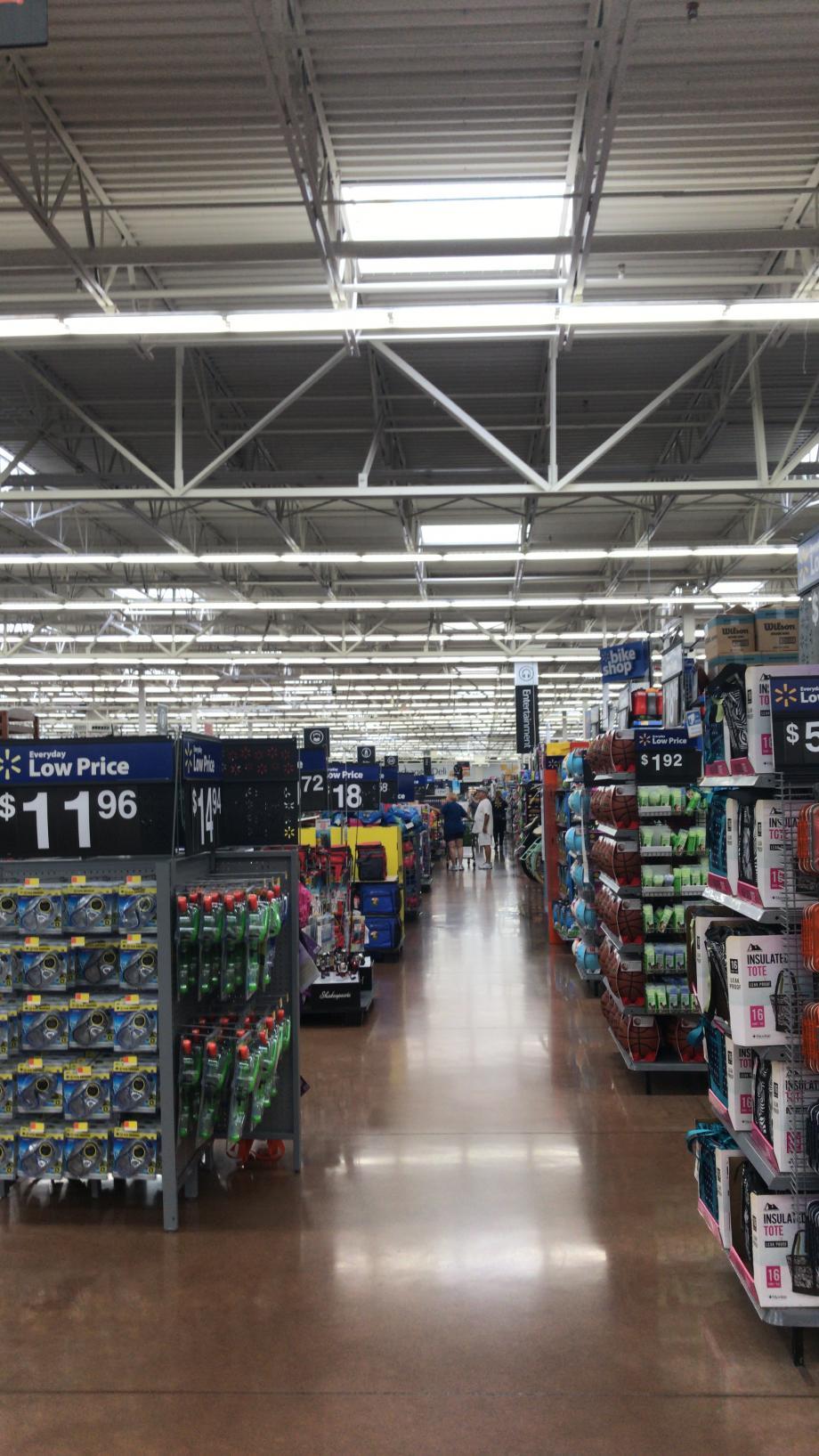 Een gan bij de Walmart en zo zijn er nog 15