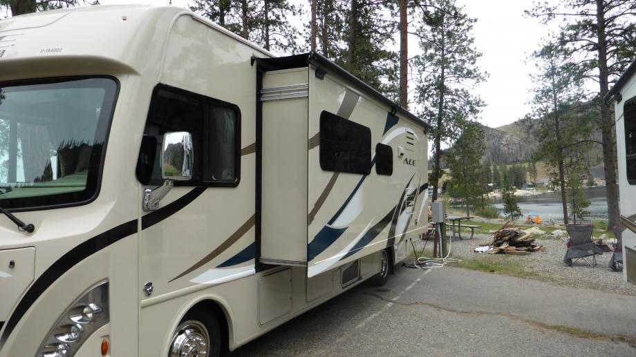 onze camper met slide-out