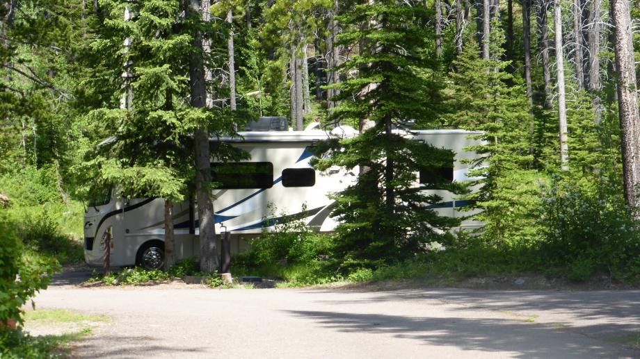 de camper op een State Park campground